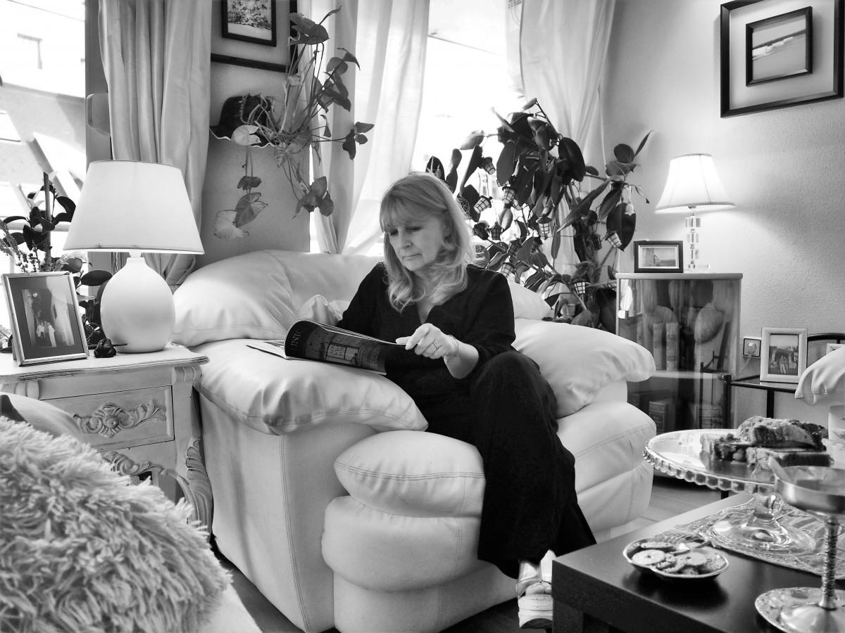 Домовете на хората, които продават домове - Илияна Смилева