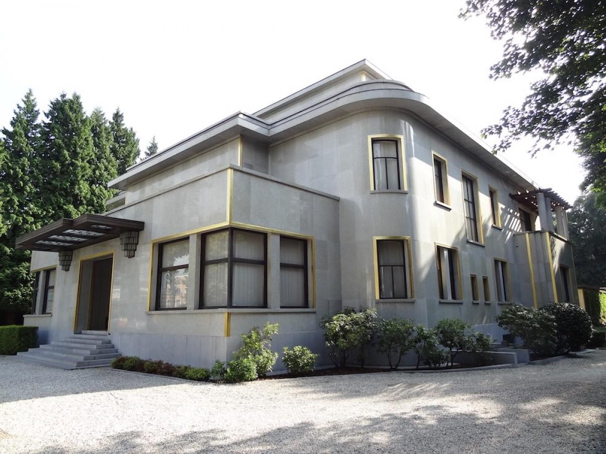 Villa Empain: От трудното минало към достойното настояще