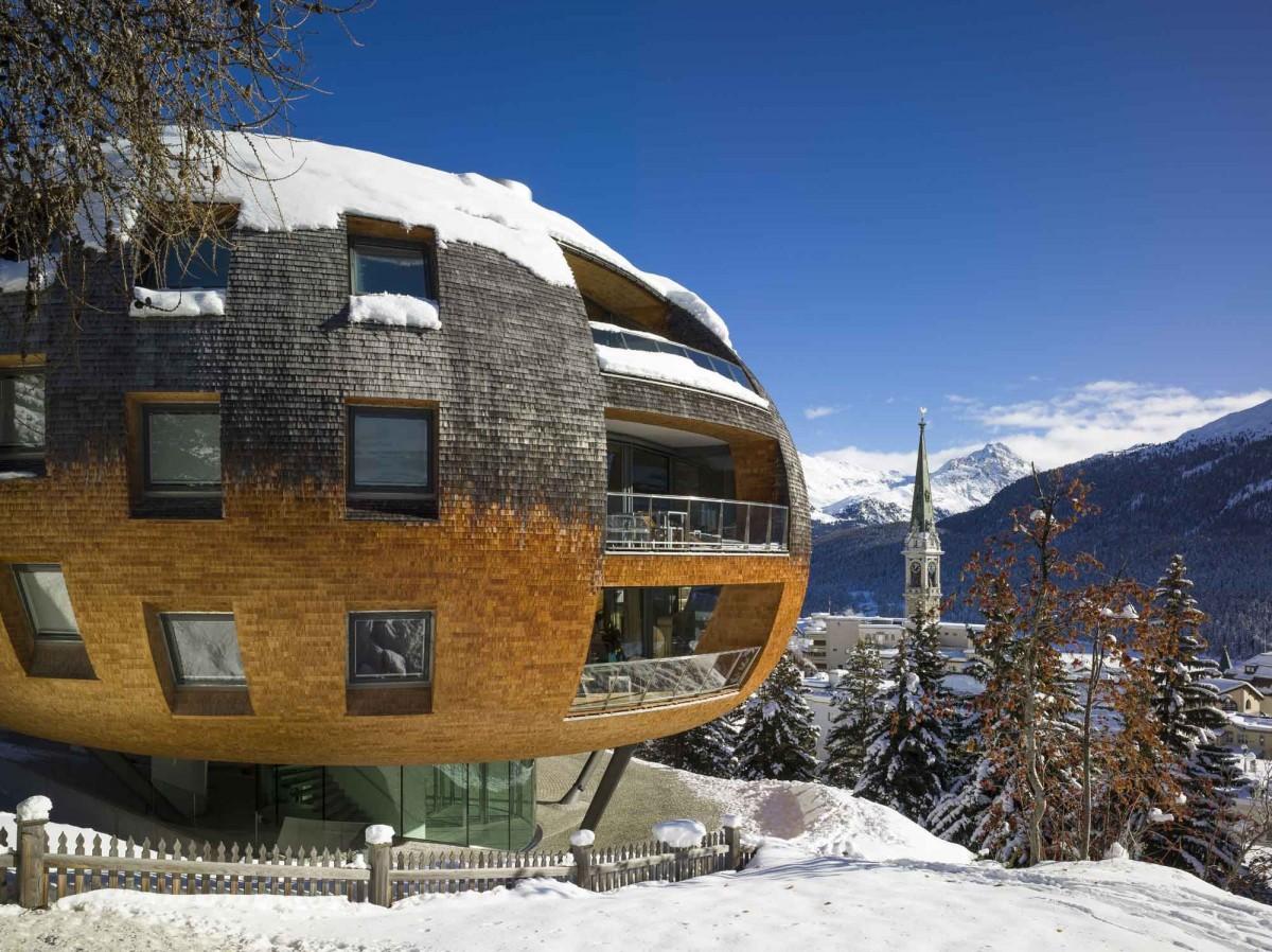 Пазарът на ваканционни имоти в световните ски дестинации.
