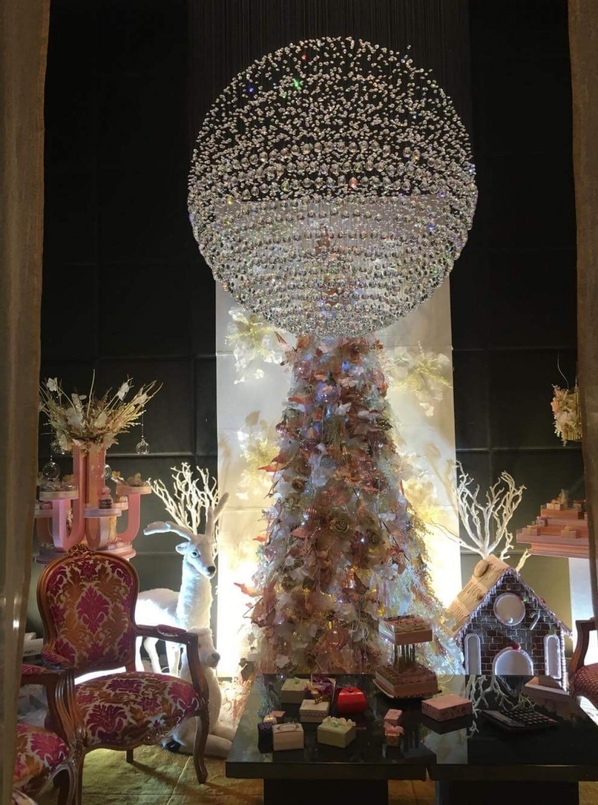Around the world with Unique Eastates - Ilonka Stoyanova in Dubai.