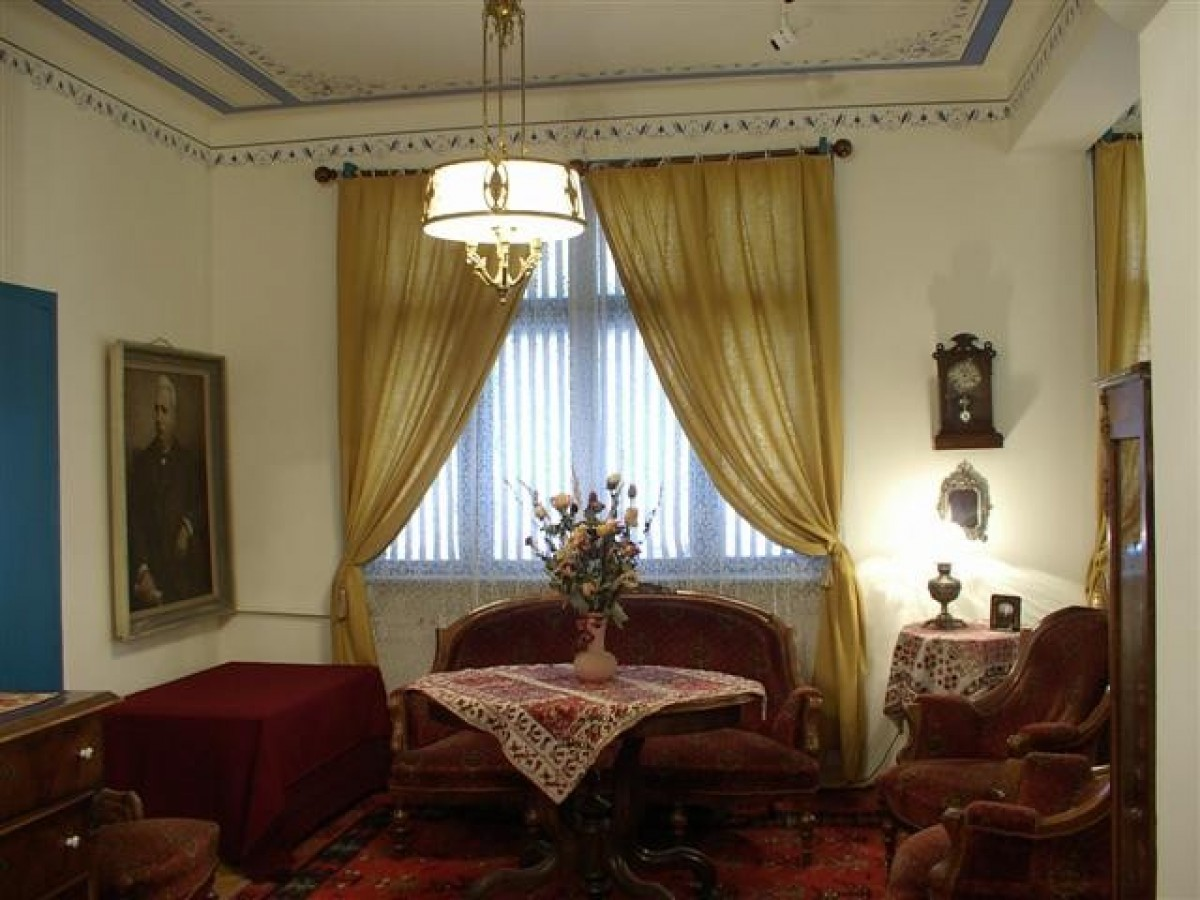 A literary walk through old Sofia: the houses of the writers