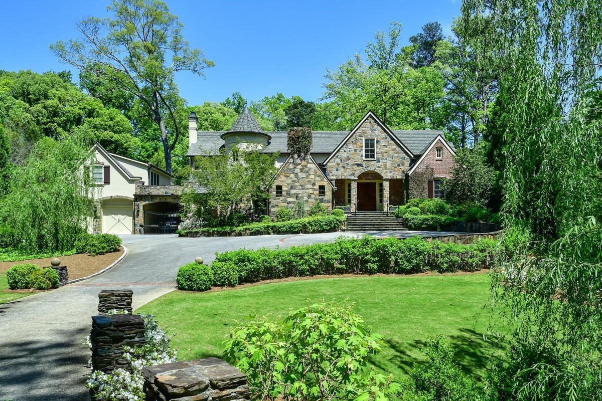 Кои са най-активните купувачи на пазара на луксозни имоти?