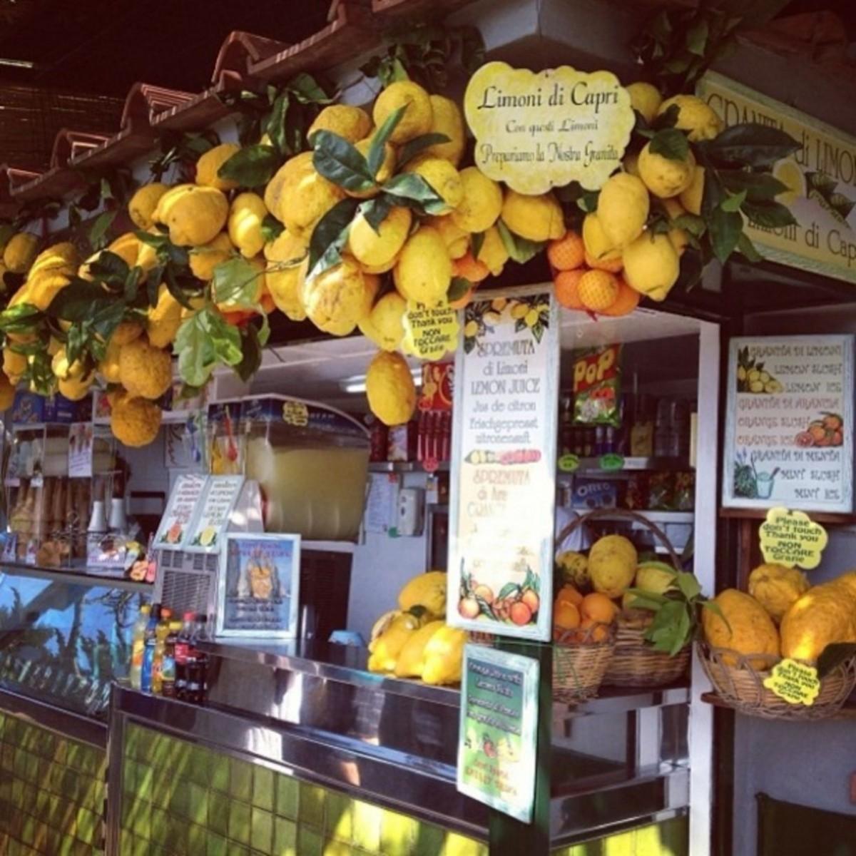 The lemon scented summer - between Amalfi and Capri