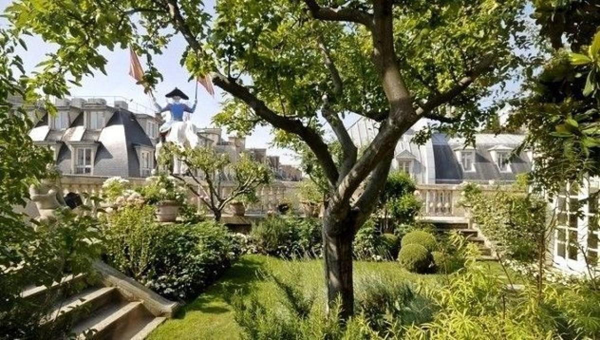 Тайната градина на един парижки покрив