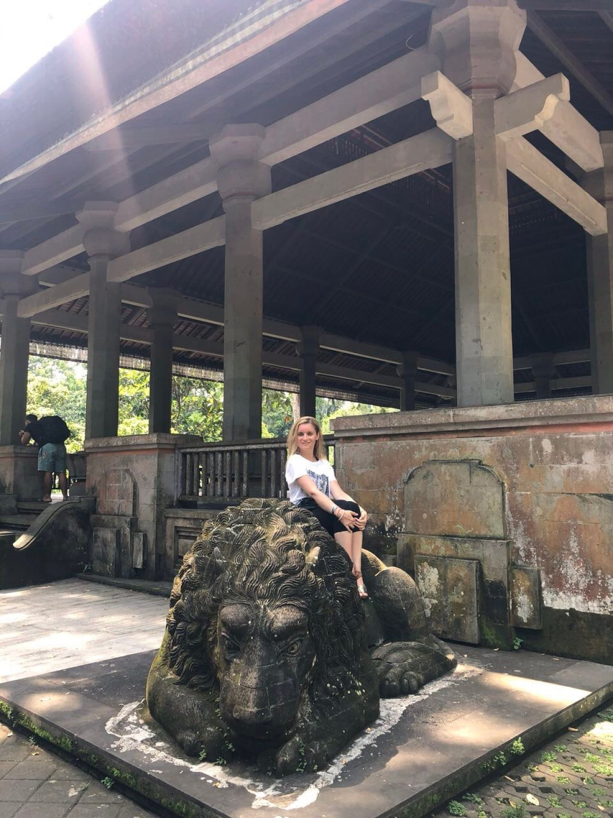 Елеонора Личева - между Excel и йога практиките