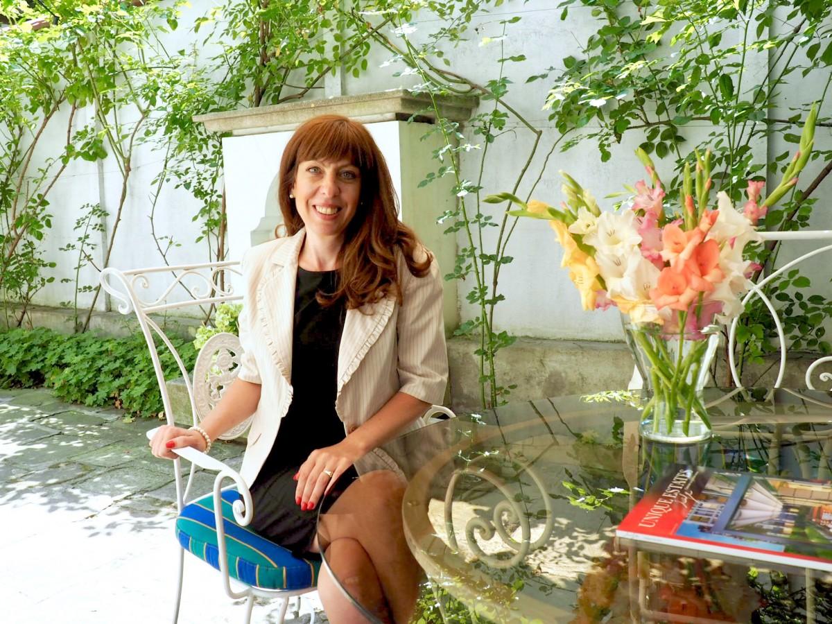 Емилия Димитрова – Мениджър екип в Unique Estates