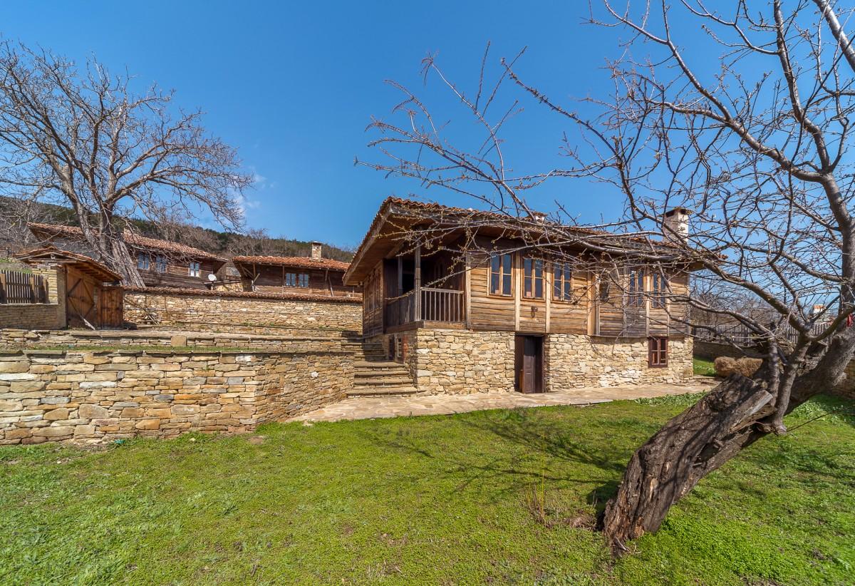 Three authentic properties in Zheravna