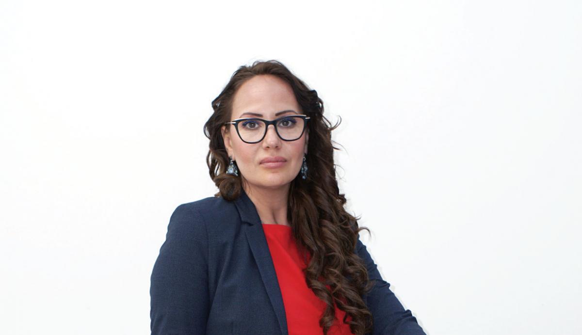 Consultants of Unique Estates - Daniela Tonova