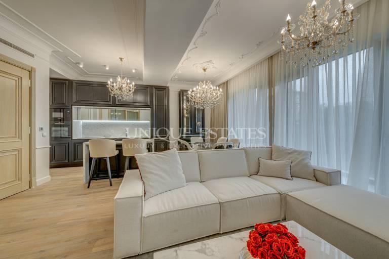 Стилен четиристаен апартамент за продажба в кв. Лозенец