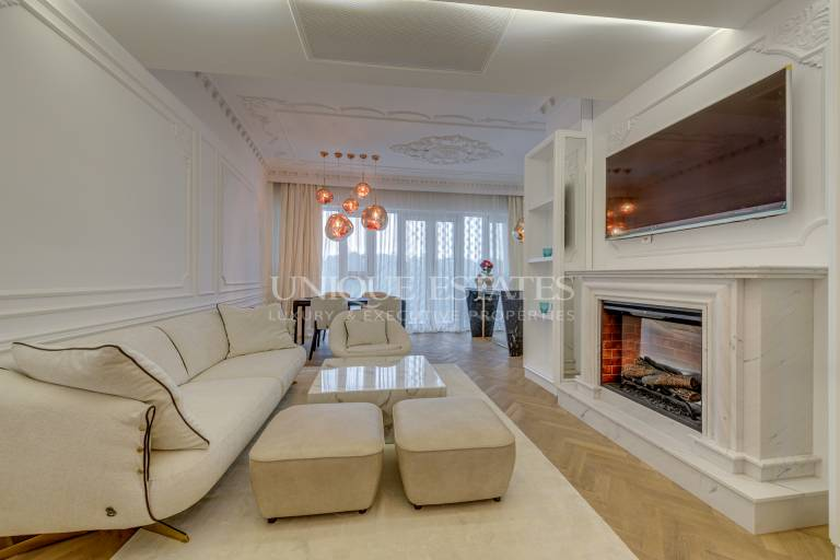 Designer apartment for rent with two bedrooms in an elite buildin