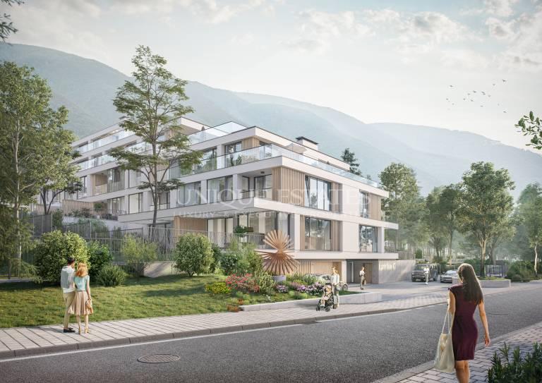 Просторен апартамент с голям самостоятелен двор в квартал Бояна