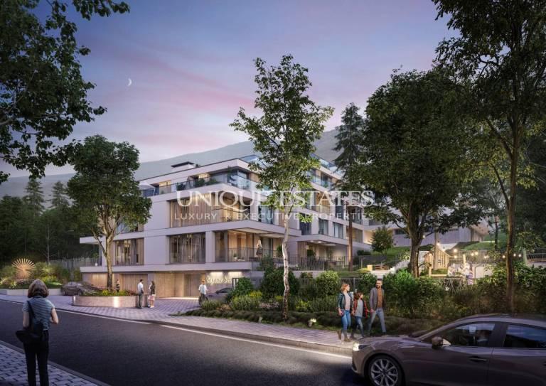 Тристаен апартамент с двор в бутикова сграда в квартал Бояна