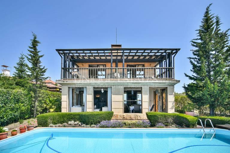 Къща с невероятни гледки в Созопол