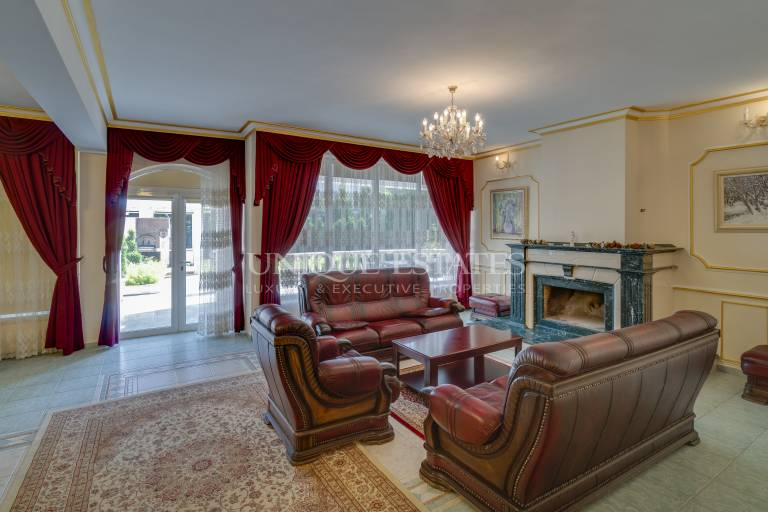 Представителна резиденция в Симеоново, под наем