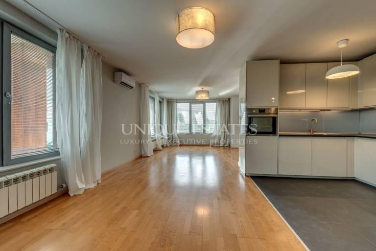 Панорамен апартамент с три спални и красиви гледки под наем