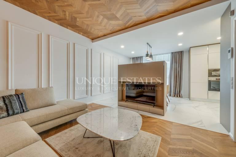 Прекрасен апартамент с три спални в Докторска градина за продажба