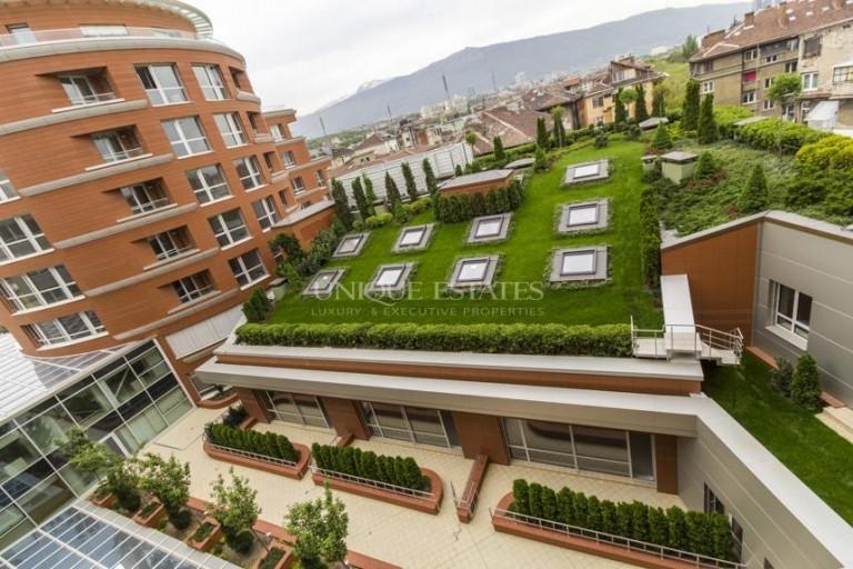 Многостаен апартамент за продажба Докторски паметник