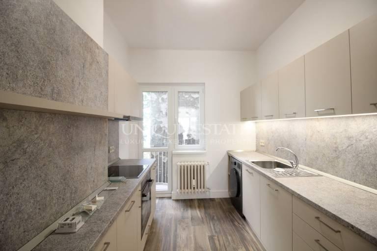 Апартамент с 3 спални до бул. Витоша под наем