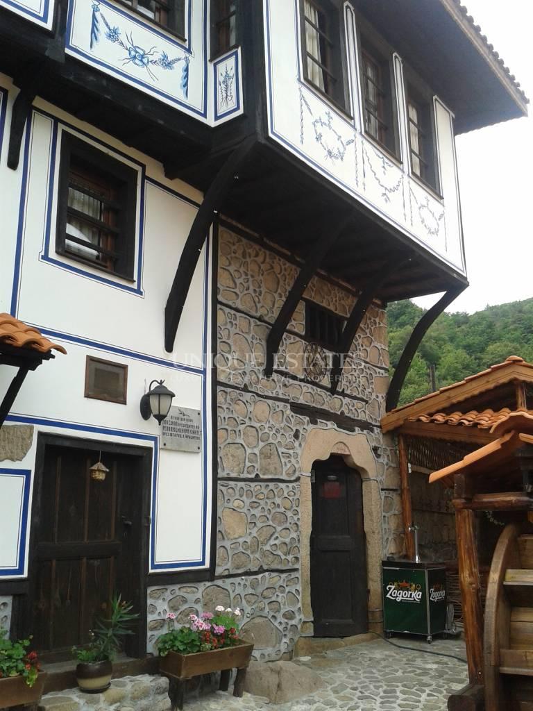Автентична етно къща с история и дух  за продажба в гр. Брацигово