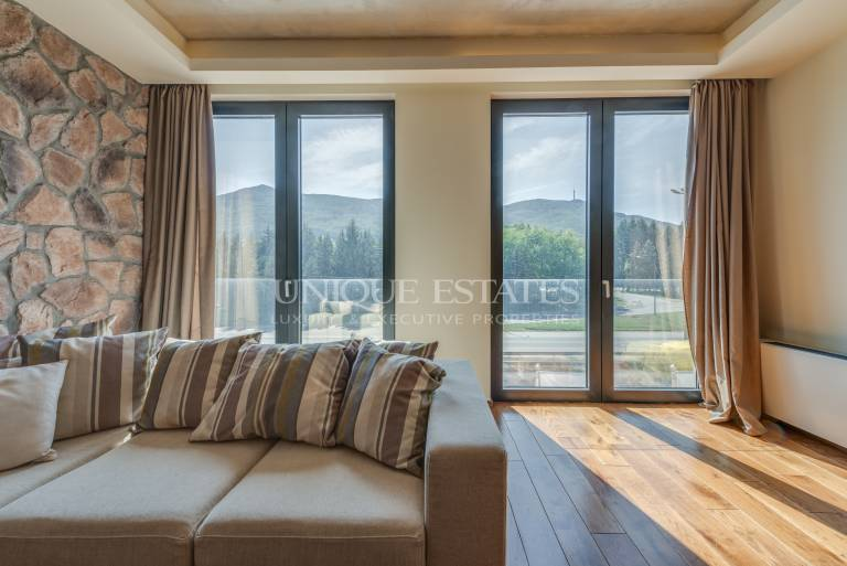 3-Bedroom apartament for rent with amazing view over the mountain