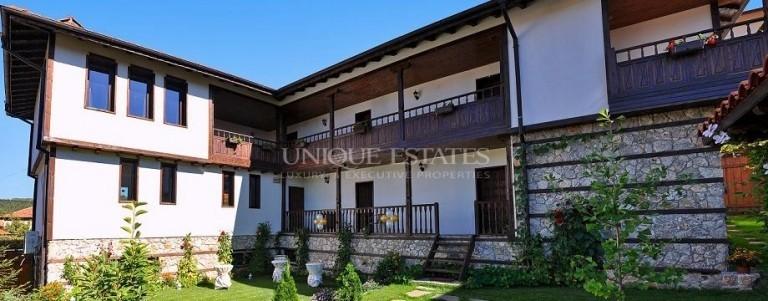 Романтична къща за гости за продажба в с. Баня