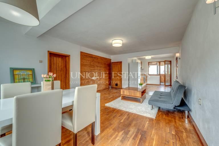 Слънчев апартамент с една спалня, дрешник и кабинет в кв. Бояна