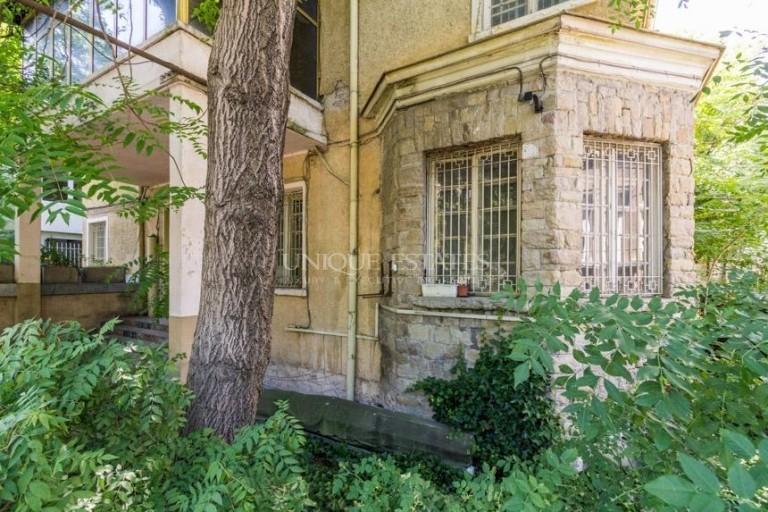 Къща с уникална локация за продажба