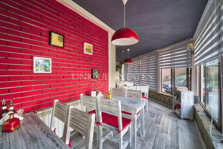 Exallant working restaurant for rent
