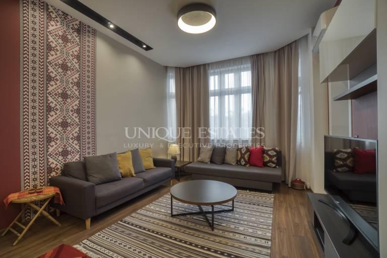 Луксозен четиристаен апартамент в центъра за продажба