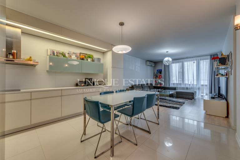 Sunny two bedroom apartment for sale in Oborishte area