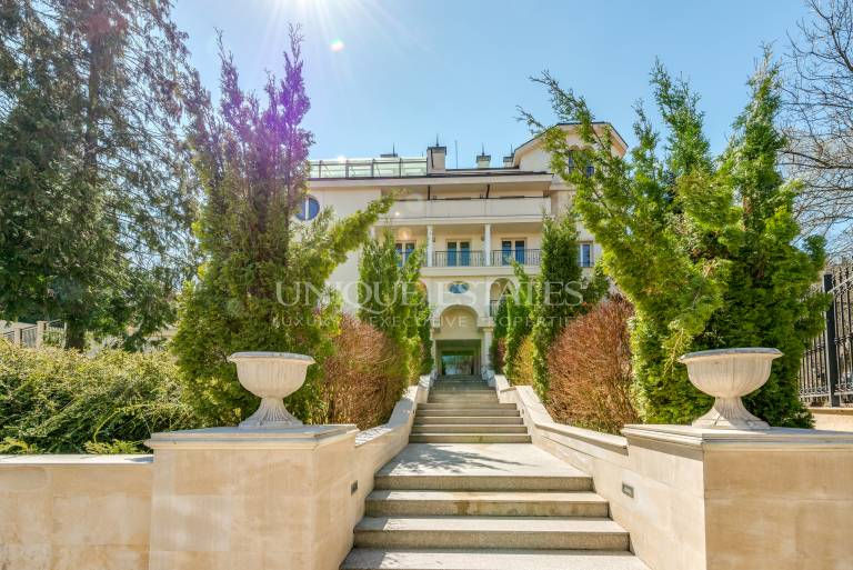 Великолепен апартамент за продажба в кв. Бояна