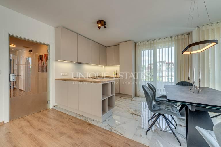Отличен апартамент с три спални под наем в кв. Иван Вазов