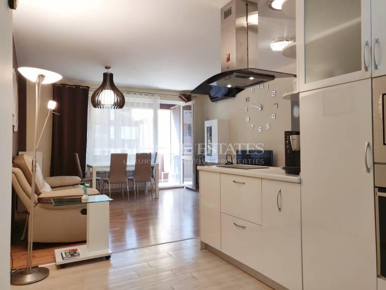 Модерен двустаен апартамент в затворен комплекс под наем