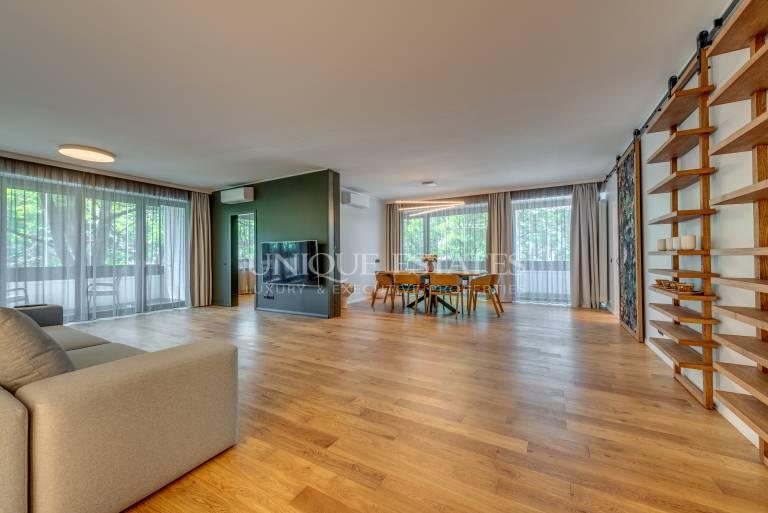 Elegant and spacious apartment for sale