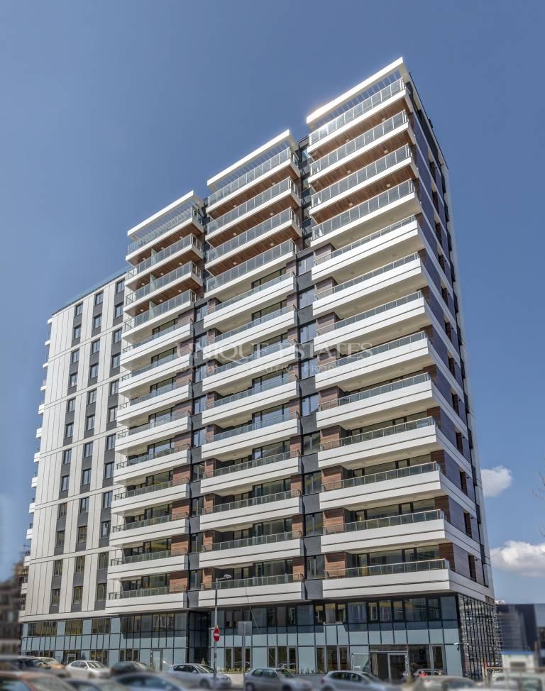 Тристаен апартамент до бул.България,луксозна сграда