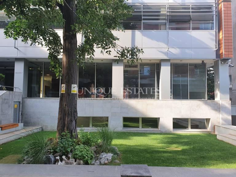 Офис на престижна локация под наем