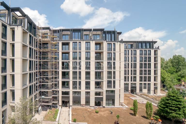 Пентхаус с прекрасни гледки в нова сграда за продажба