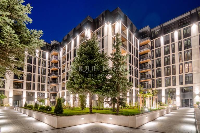 Прекрасен четиристаен апартамент в Лозенец
