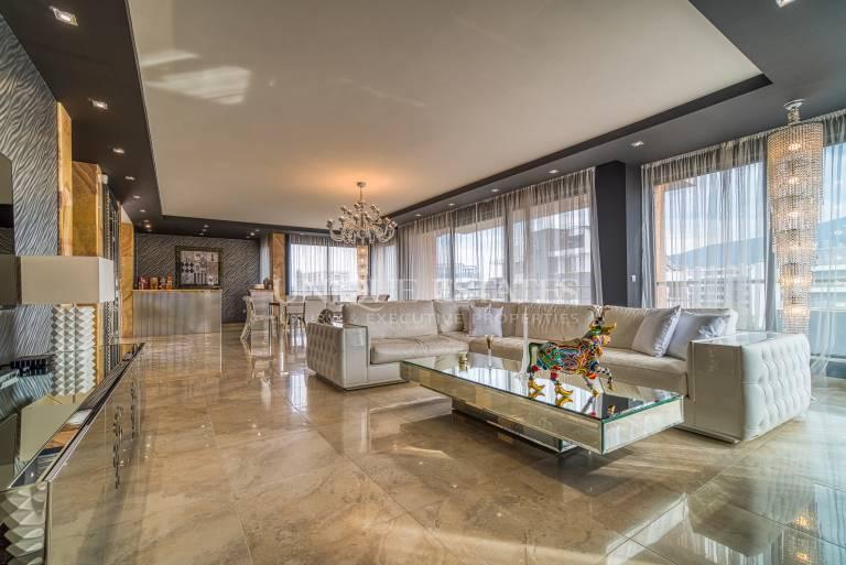 Изключителен апартамент за продажба до Мол Парадайс