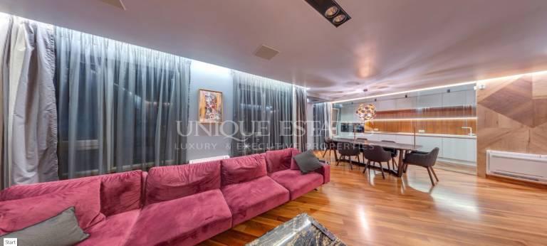 Елегантен дизайнерски апартамент за продажба в затворен комплекс