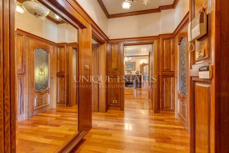 Лукс и стил в апартамент с три спални под наем срещу НДК