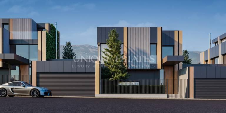Модерна чисто нова градска къща сред природата