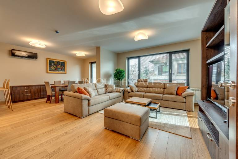 Луксозен апартамент с 3 спални в нова сграда в кв. Изток
