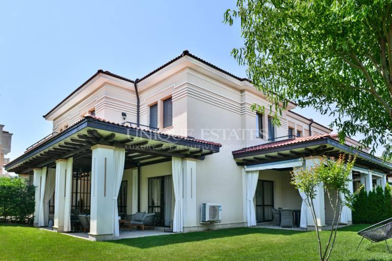 Прекрасен ваканционен имот в затворен комплекс в Созопол