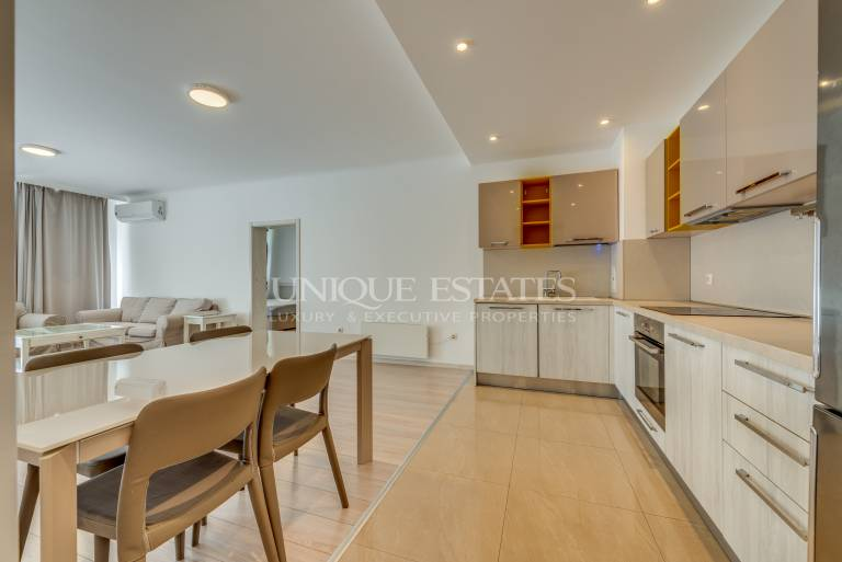 Spacious and sunny 3 bedroom apartment in a gated community.