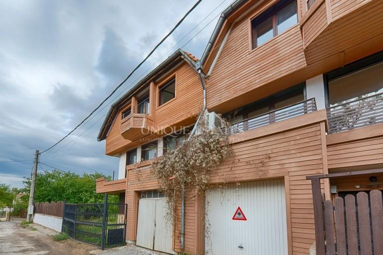 Къща - близнак на груб строеж за продажба, до МОЛ Парадайз