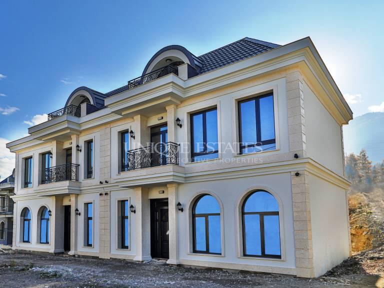 Модерна нова къща за продажба в затворен комплекс