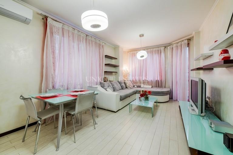 Прекрасен апартамент с две спални под наем в Лозенец