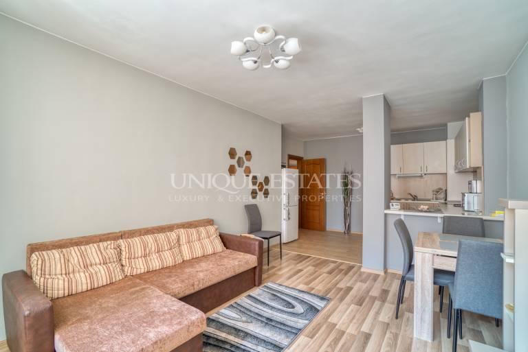 Нов, обзаведен апартамент с една спалня за продажба