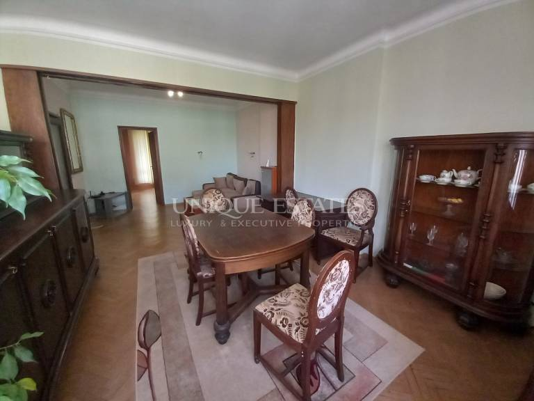 One-bedroom apartment for rent near Russian monument